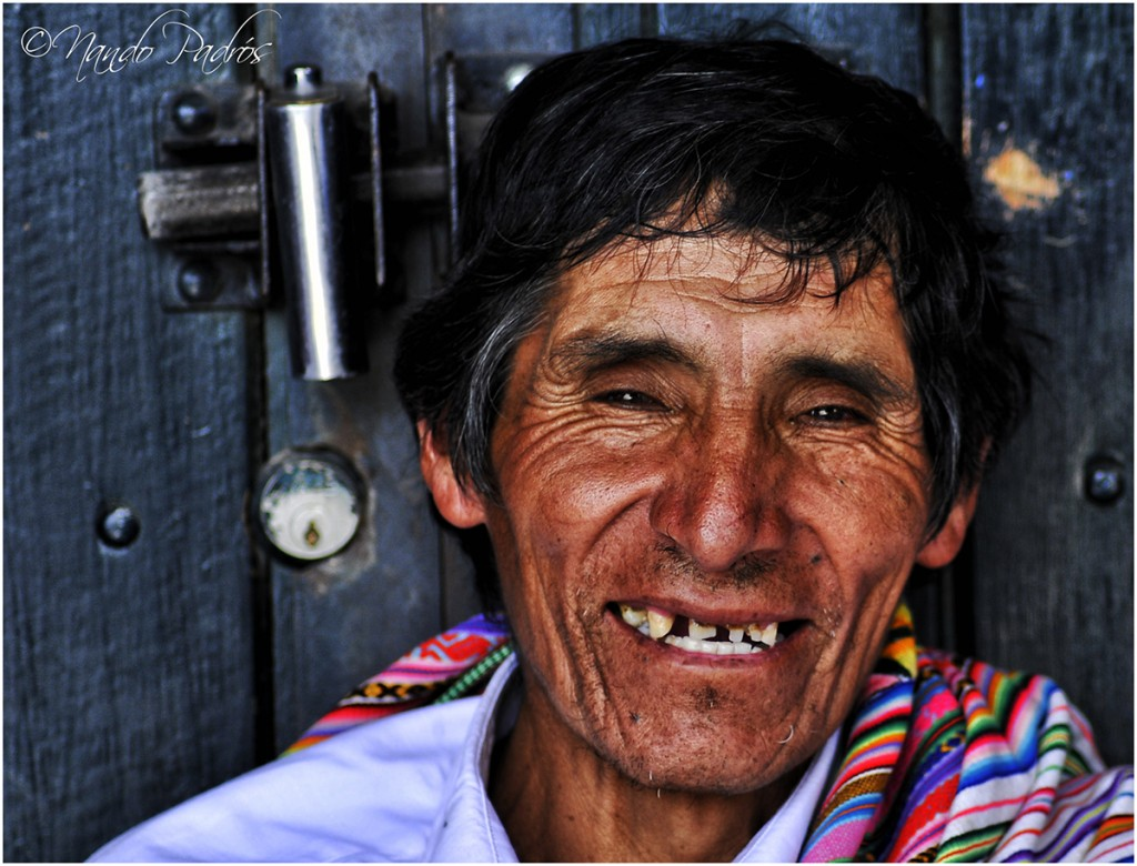 SONRISAS Y COLORES / SOURIRES ET COULEURS / SMILES AND COLORS